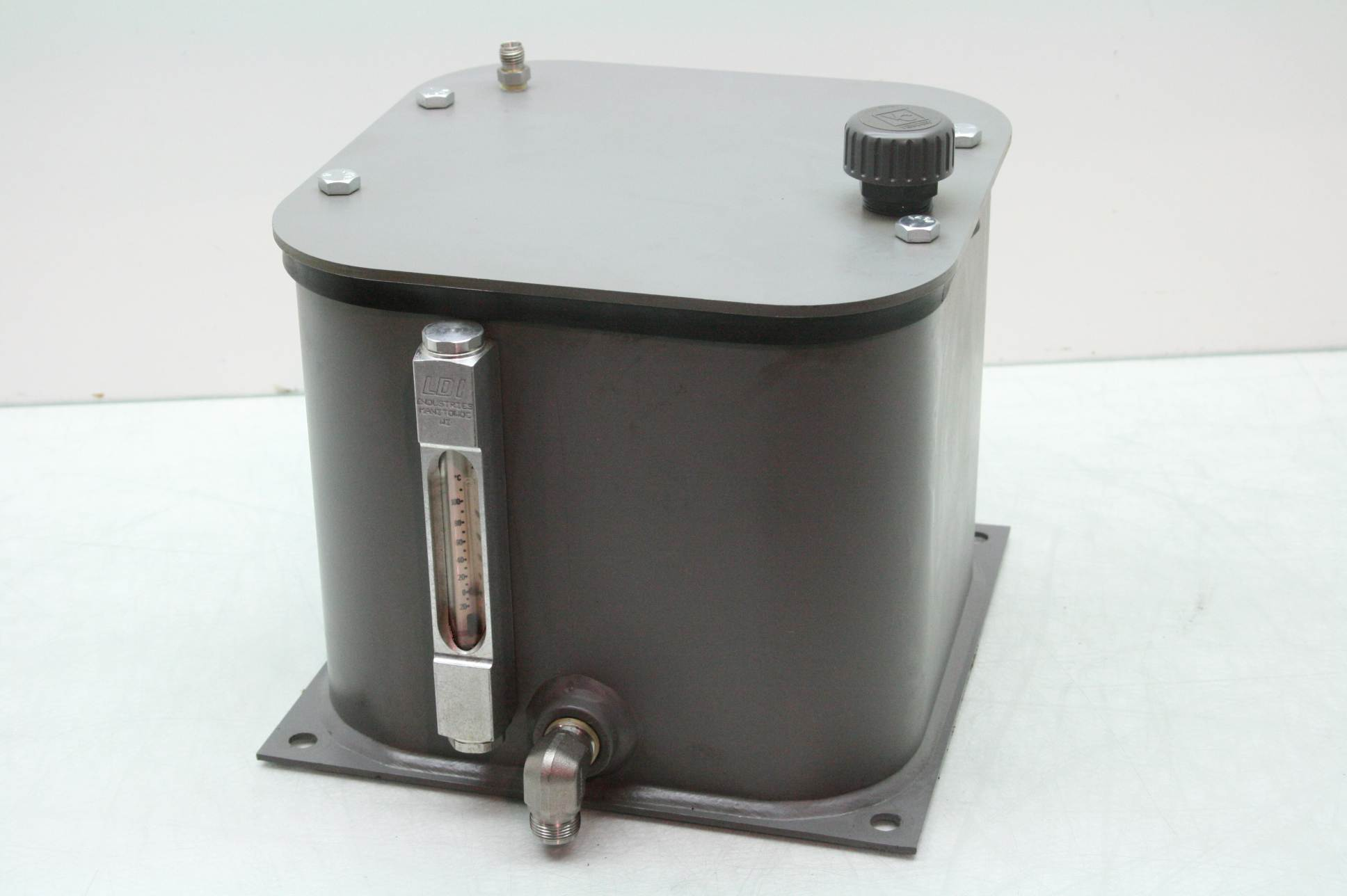 LDI Vari-Pak 2.5 Gallon Hydraulic Oil Reservoir Tank / 1/2 ...
